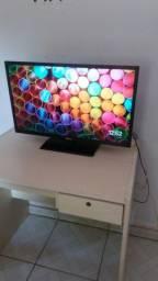 Smart TV 32 polegadas semi nova!