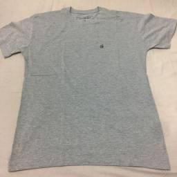 Camiseta Calvin Klein (Tam GG)