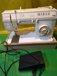 Máquina de costura Singer advance