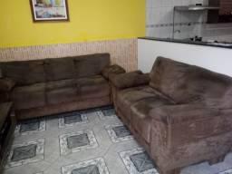 Sofá com 2 e 3 lugares semi-novo