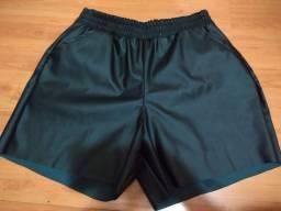 Shorts/bermuda  courino preta TAM G NOVA