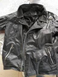 Jaqueta de couro estilo a do motoqueiro fantasma.