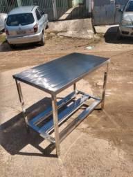 Mesa para cozinha industrial