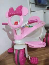 Carrinho de passeio e triciclo Minie Disney