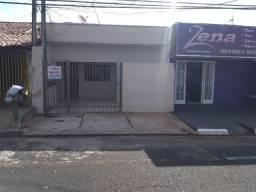 Aluga-se Casa No Santo Antônio