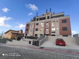 Belo Apartamento com 2 dormitórios, sendo 1 suite, Banheiro social, sala,cozinha ,