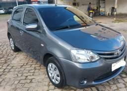 Toyota Etios 1.3,  2014/2014. Estado de novo com 26.400km rodados.