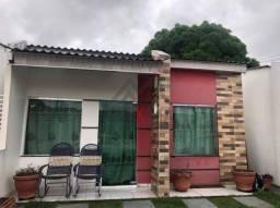 Ótima casa em residencial com 02 quartos Bairro Flores