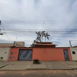 Título do anúncio: Casa para venda com 162 metros quadrados com 4 quartos em Vila Pedroso - Goiânia - GO