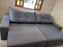 Sofá retrátil reclinável.
