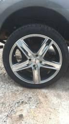 Vendo Jogo de Roda 17 com pneus novos