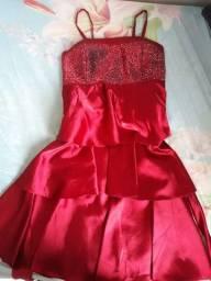 Vendo este vestido maravilhoso
