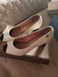 Sapato vizzano tanho 35