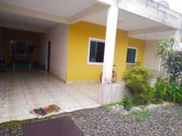 Oportunidade Casa e Área com uma construção.