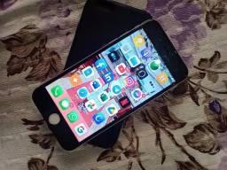 iPhone 6 com carregador