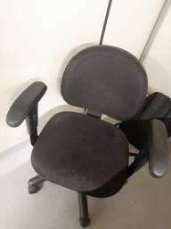 Cadeira de escritório - ergonômica