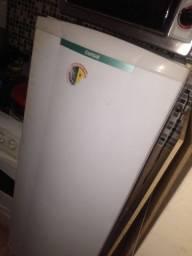 Geladeira Cônsul 210 litros