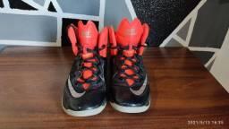 tênis basquete Nike usado