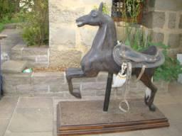 Cavalo de carrossel antigo