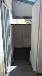 Aluga-se casa no Bairro Santa Efigênia (LEIA A DESCRIÇÃO)