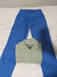 Calça jeans e camiseta polo