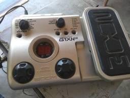 Pedaleira G1XNext Zoom com pedal