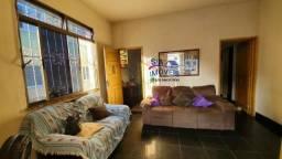 Excelente tipo casa em local especial de Olaria com seis quartos
