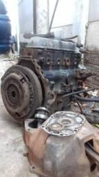 Vendo motor e caixa de marcha da van Topic 2.8 a diesel ano 1999