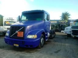 Caminhão Trator Volvo NH 380 6X2 2001