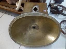 Cuba de cobre antiga pia dourada