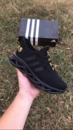 Adidas Maverick preto/dourado (PROMOÇÃO)