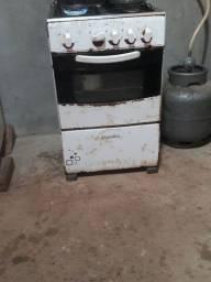 Fogão usado funciona só 3 bocas e o forno não funciona
