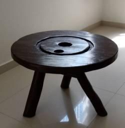 Mesa em Madeira Rústica