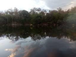 Chácara a beira do lago