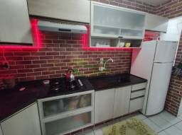 0655 - Apartamento semi mobiliado com 3 quartos