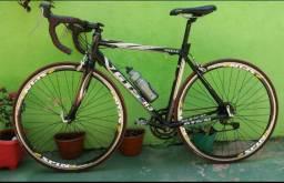 Bicicleta Speed carbono e alumínio super leve