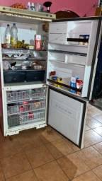 Vende - se ou troca uma geladeira Brastemp