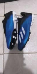 Chuteira Adidas número 42