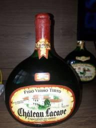 Vinhos para colecionadores. Valor R$ 5.000, 00 as duas garrafas.