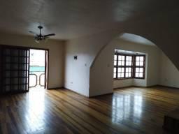 Casa ampla 3 dormitorios na Av. Pelotas