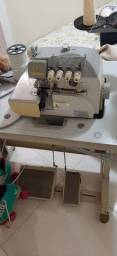 Maquina de costura Overloque industrial