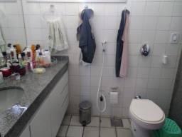 Apartamento em Morro Branco para venda ou aluguel com 3 quartos e dependência