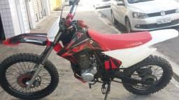 XR 200......COM ROUPA DE CFR..
