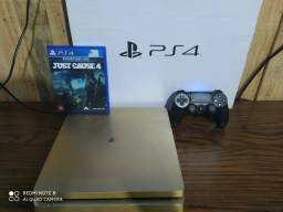 PlayStation 4 Gold edtion