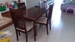 Conjunto mesa de jantar com 4 cadeiras - madeira maciça