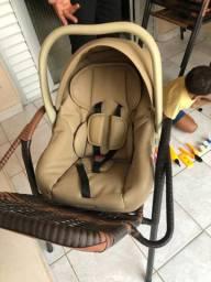 Vendo bebê conforto todo em couro
