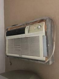 Ar-condicionado de janela (leia o anúncio)