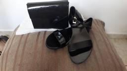 Bolsa e sandália da petite jolie