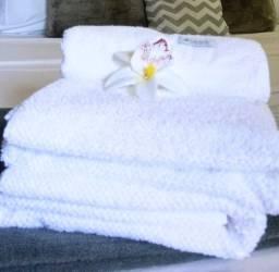 Conjunto de 1 toalha de banho + 1 toalha de rosto Seminovo