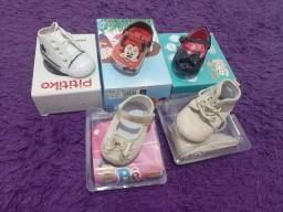 Lote de Sandálias para bebe menina muito nova